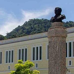 COLÉGIO NAVAL | Justiça determina que mulheres e homens casados poderão se inscrever nos próximos concursos
